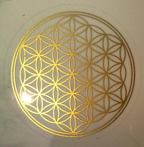 Květ života - samolepka 4,5 cm zlatá - vhodná na dno karafy, džbánku, sklenky..