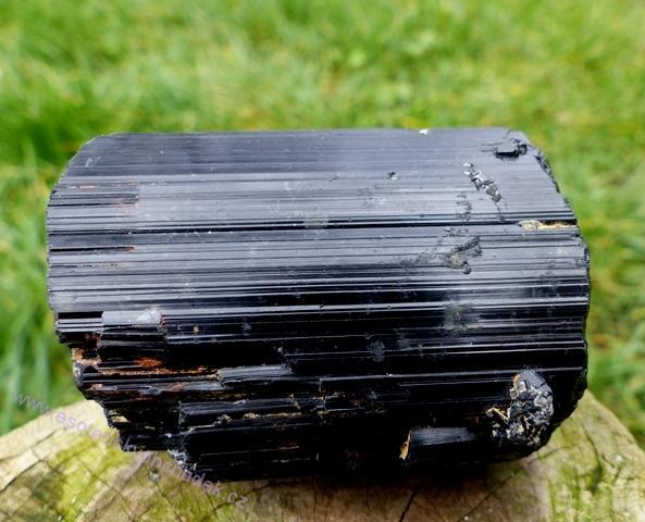 Turmalín černý (skoryl) krystal přírodní 6,5 cm