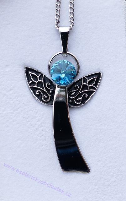Anděl Strážný/ochranný anděl - přívěsek s modrým krystalem Swarovski