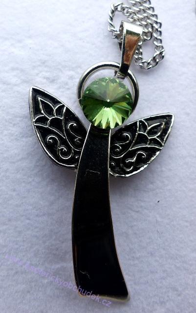 Anděl Strážný/ochranný anděl - přívěsek se zeleným krystalem Swarovski